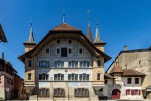 Wanderung Bueren an der Aare Rathaus