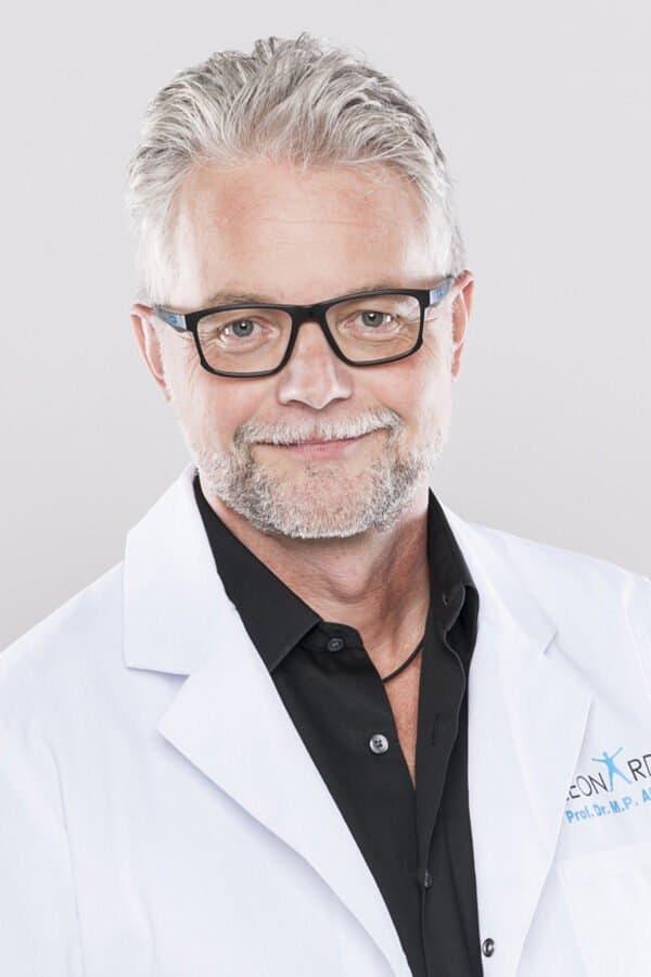 Markus P Arnold