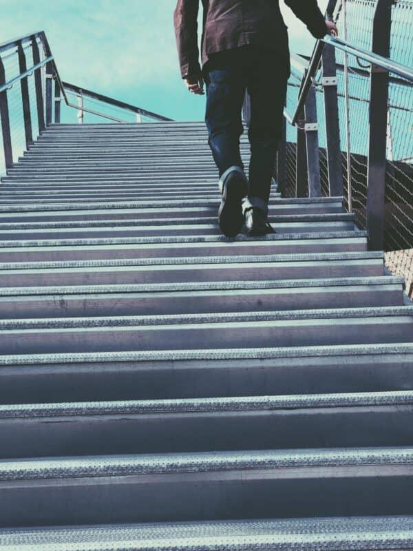 Monter des escaliers