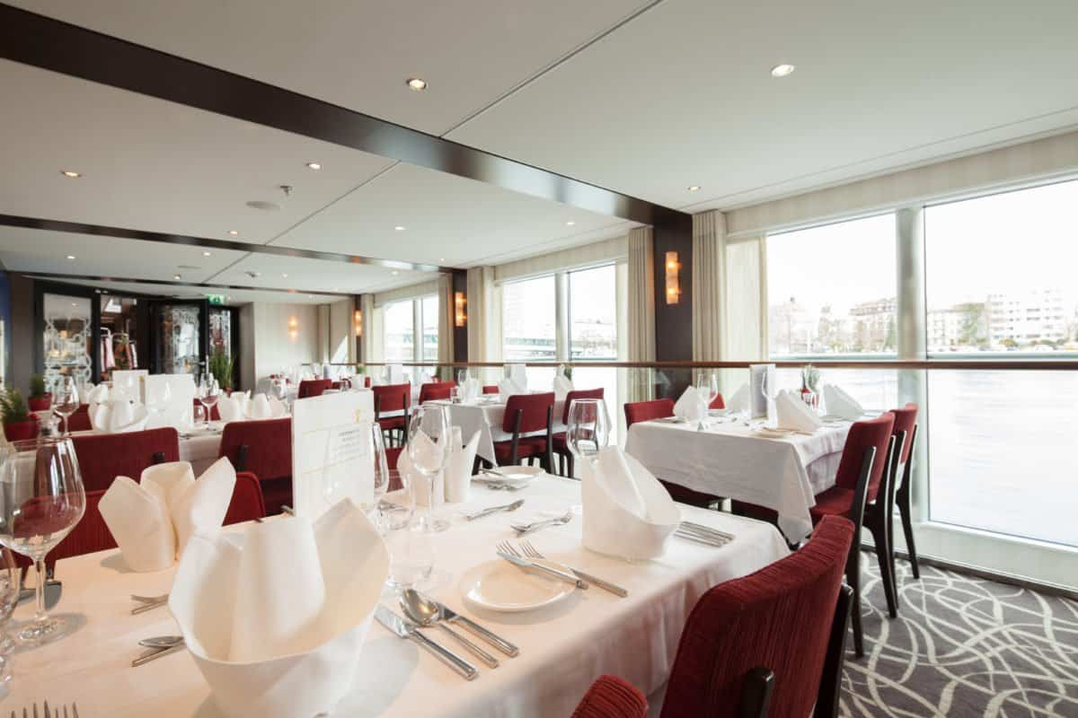 Edelweiss Innen Restaurant Matterhorn 2