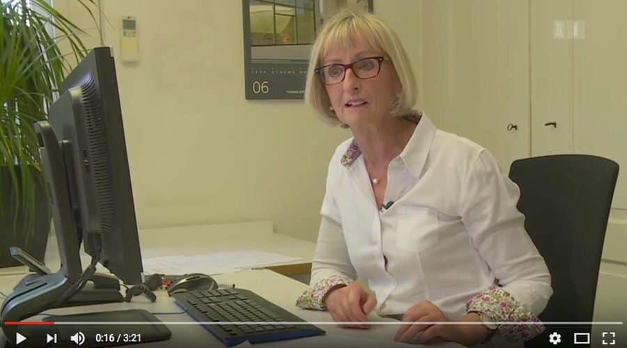 Aus der Sendung mitenand: Frau am Computerarbeitsplatz