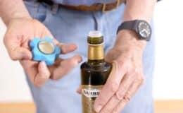 Flaschenöffner PertBoy in Anwendung
