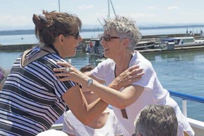 Isabelle Jeanfavre accueille Béatrice Rubeaud de l'Association suisse des fibromyalgiques